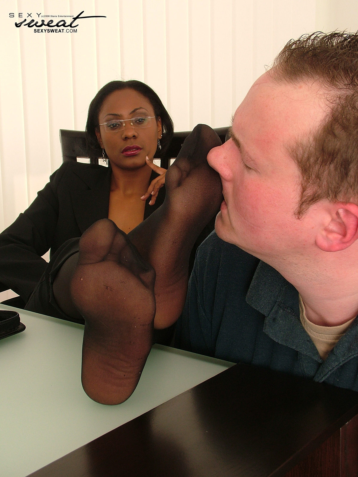 Ebony Amateur White Cock