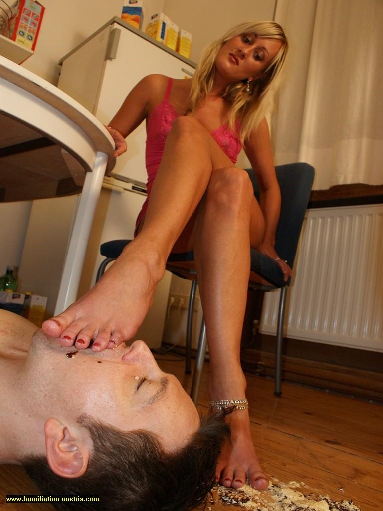 feet-feeding-3