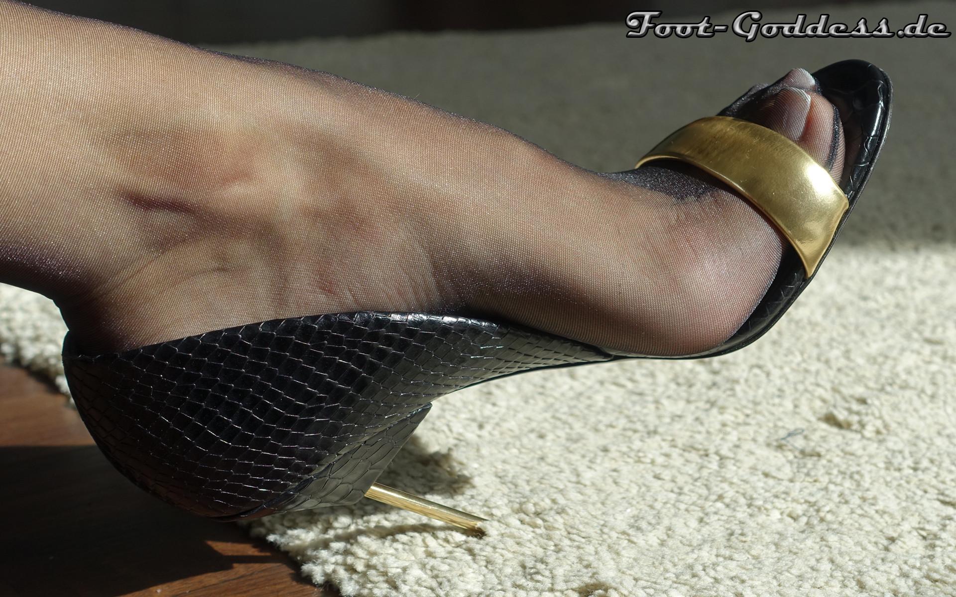 foot-goddess-1-12