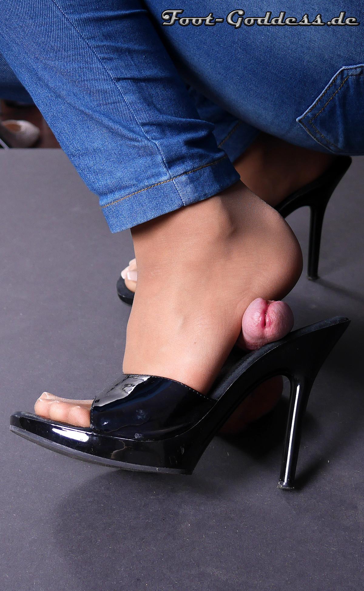 foot-goddess-1-23