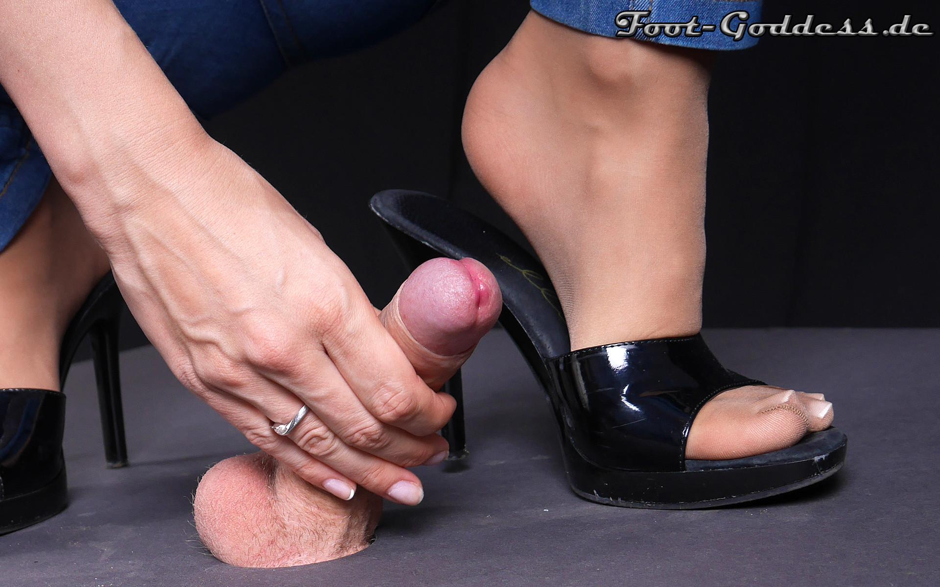 foot-goddess-1-24