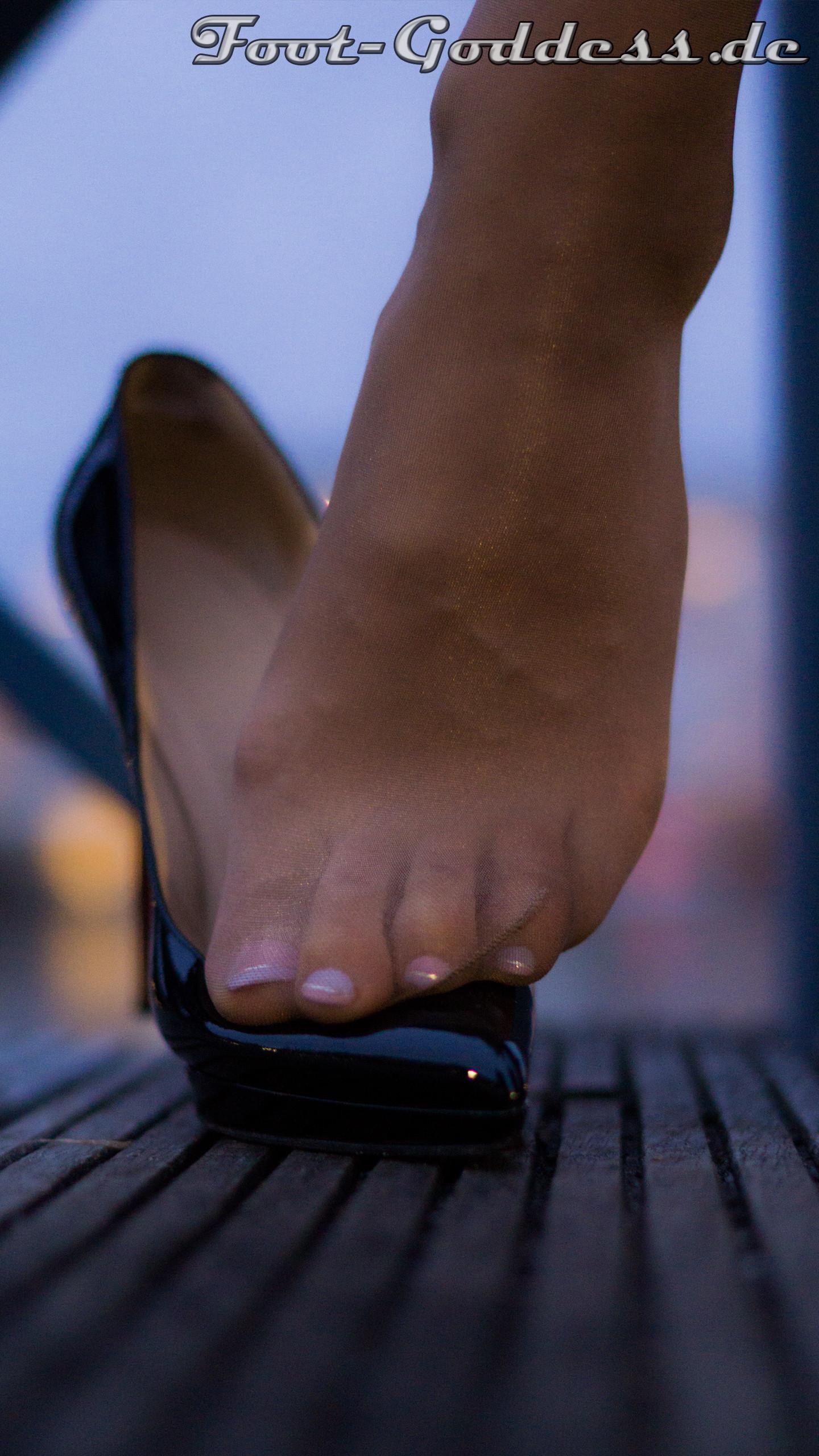 foot-goddess-1-6