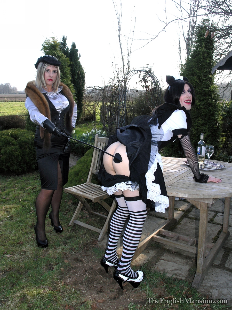 English-garden-tv-spanking-13