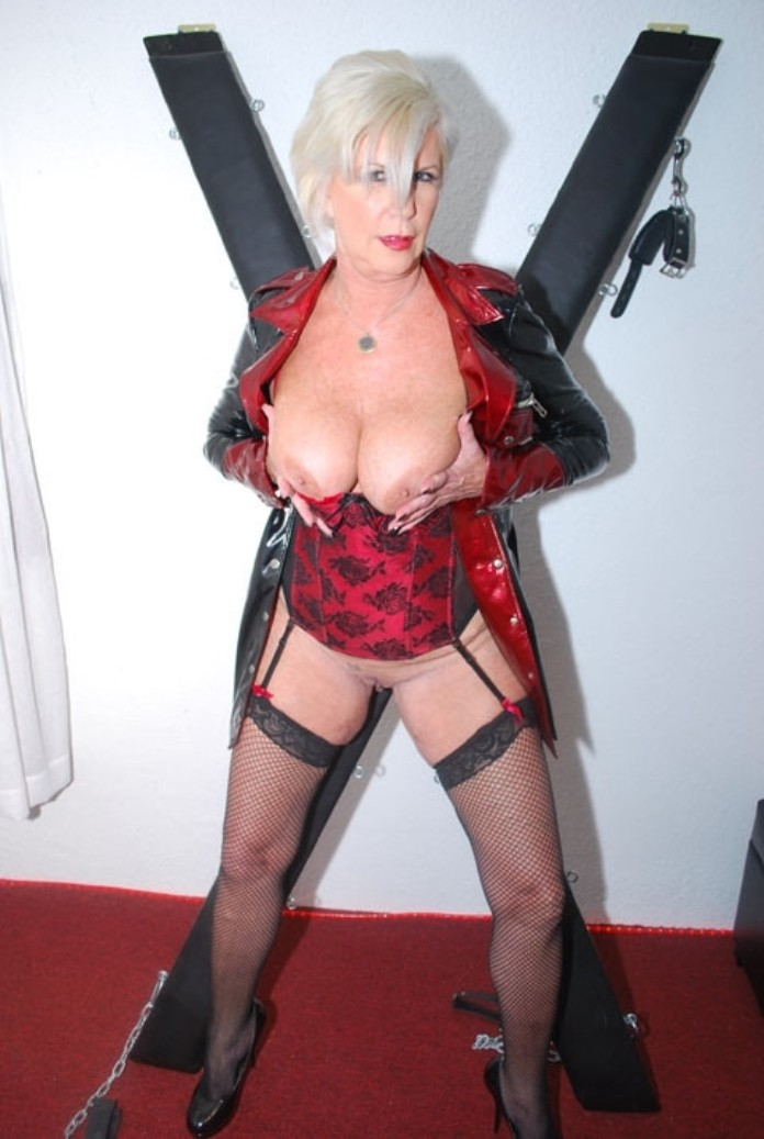 mature-dominatrix-4