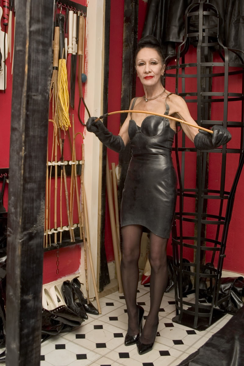 mature-dominatrix-2-10