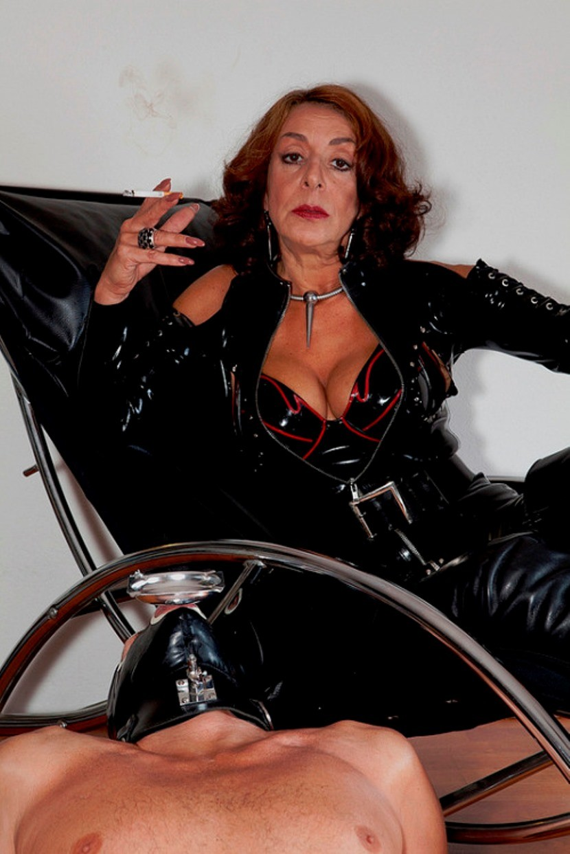 mature-dominatrix-2-14