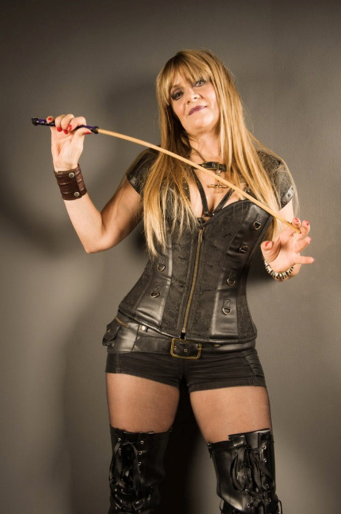 mature-dominatrix-2-7