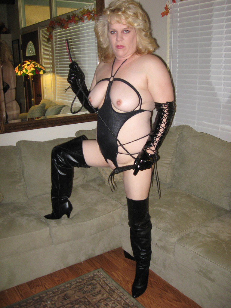 Mature bdsm dominatrix images