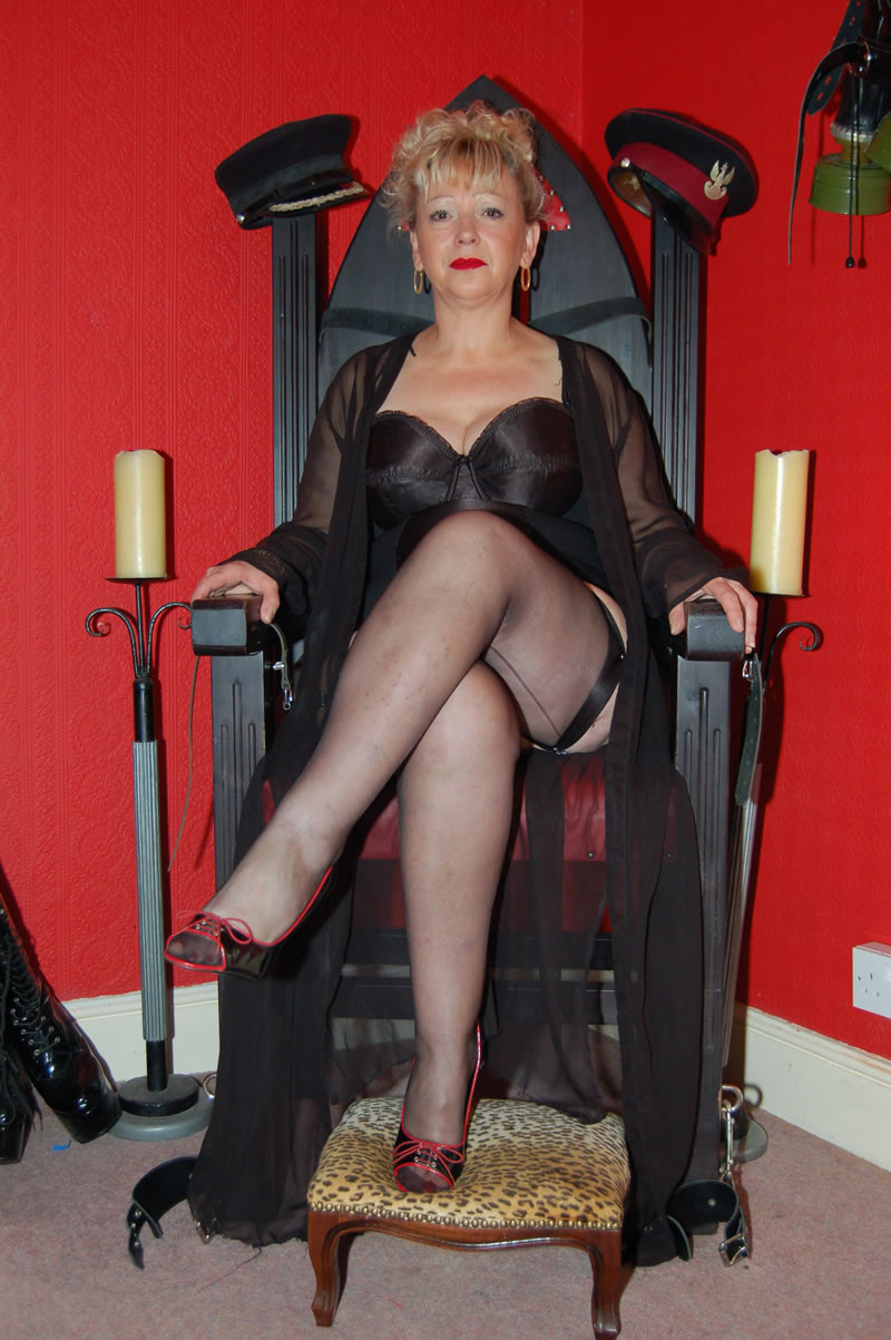 Mistress fetish satin fully leather clothed