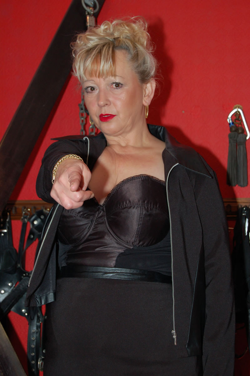 Older bbw lady en her black lover - 3 5