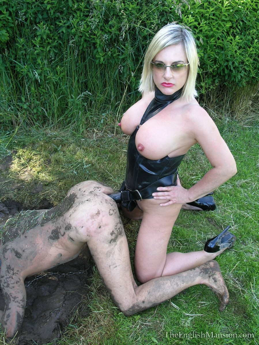 mud-fucked-giant-strapon-29