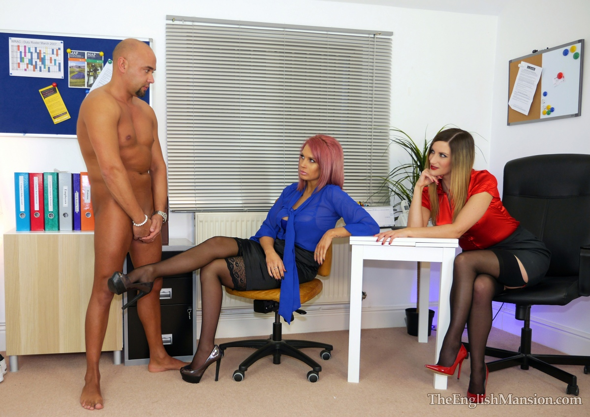 Office-lady-bosses-strapon-02
