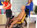 Office-lady-bosses-strapon-04