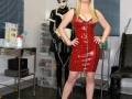 Rubber-TV_Maid-milking-machine-03