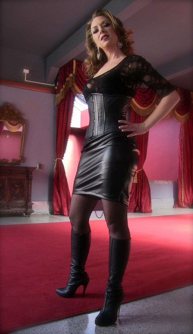 stylish-dominatrix-4