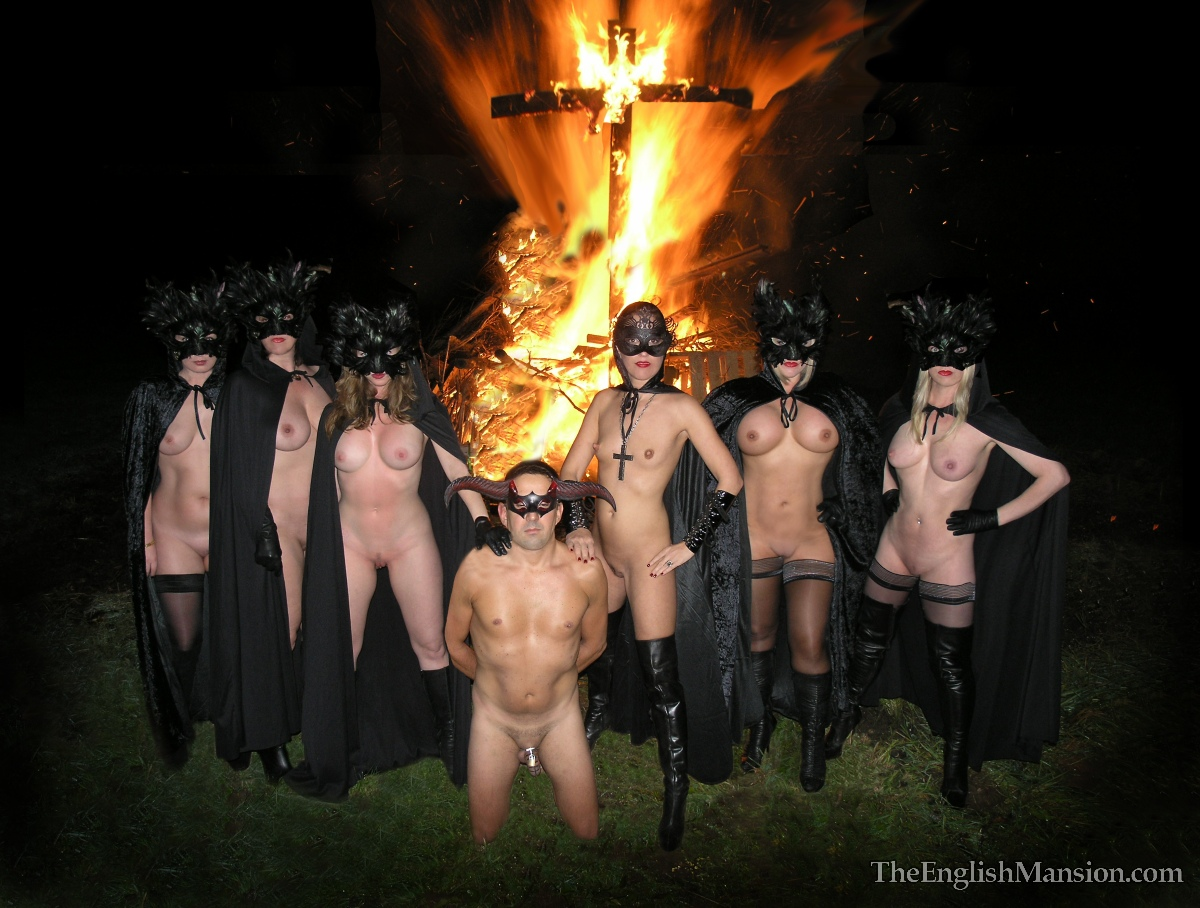 image Male and female slaves made to fuck