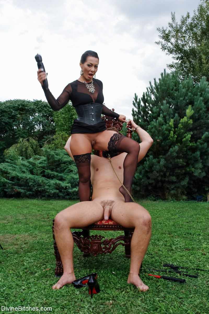 Porn spoofs video clip