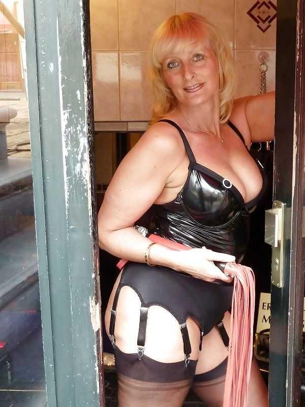 Granny Dominatrix Ass Free Hot Nude Porn Pic Gallery