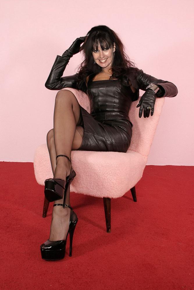 mistress-angelina-11