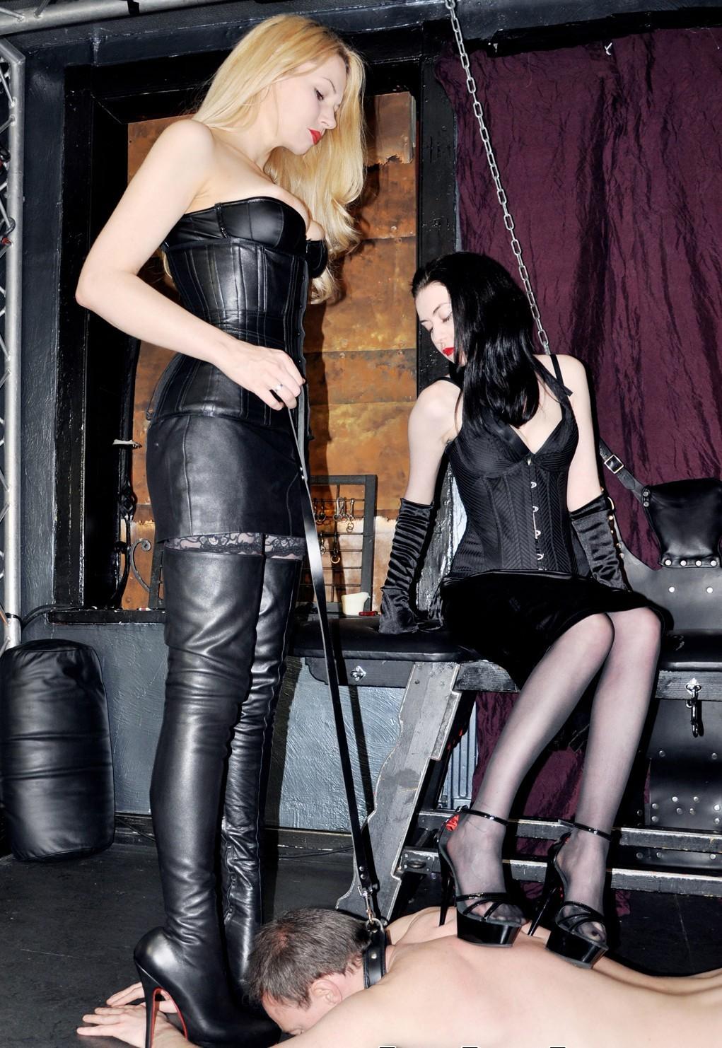Black leather mask mistress of ceremonies - 3 4
