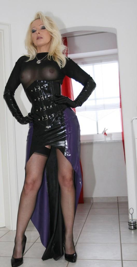 Lady Dominant