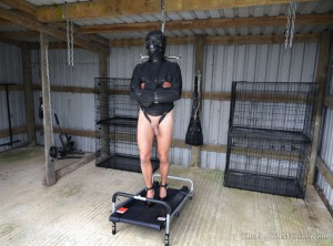 treadmill-bondage-torment-01