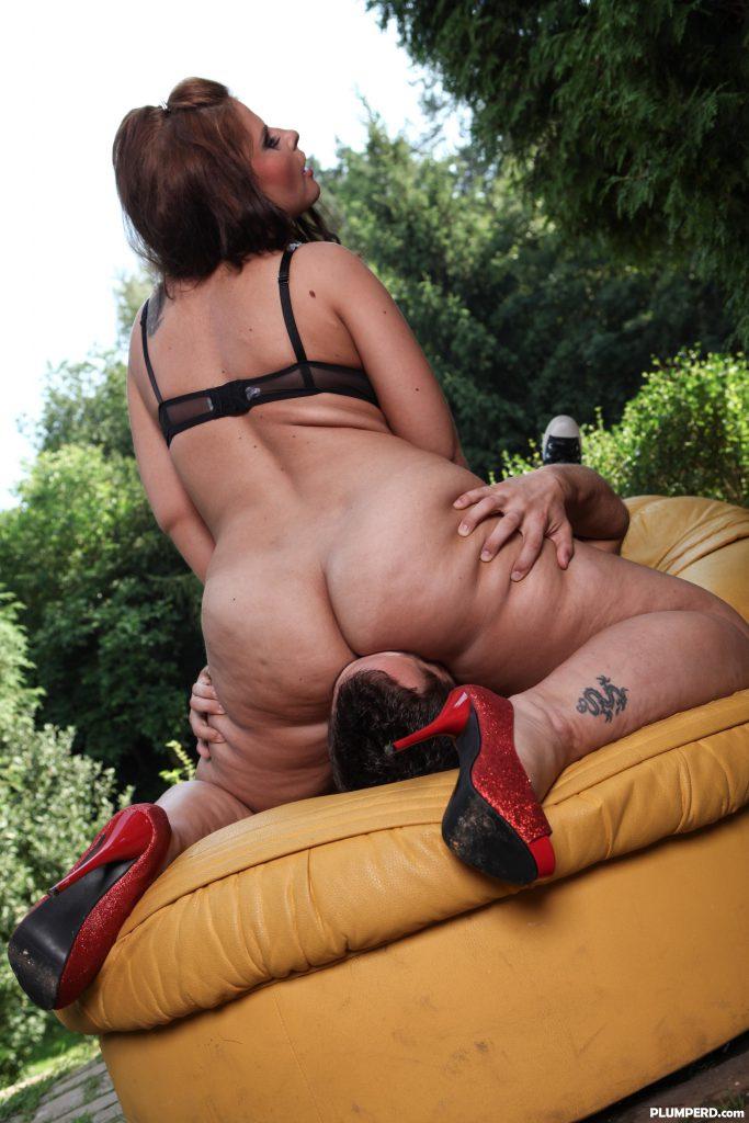 Maedchen Vollbusige Bikini Rimmingsex